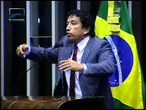 Sen. Magno Malta descreve as diversas calúnias contra a candidata Dilma Rousseff