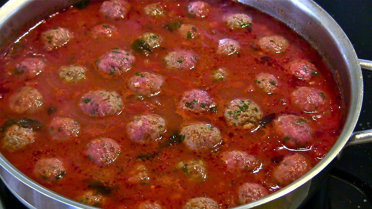 Italian Meatballs-Meatballs in Tomato Sauce-Italian Meatball recipe ...