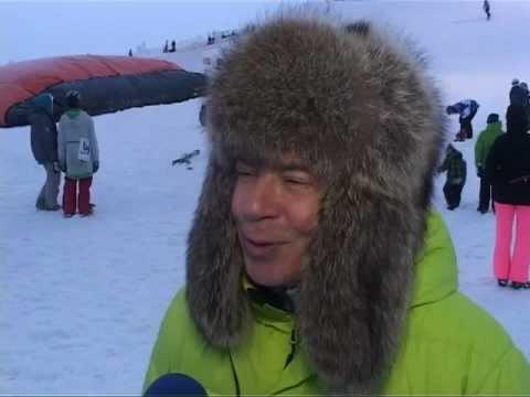 Смотреть видео В Вентспилс приехали сноубордисты и лыжники