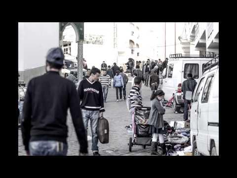 """ظاهرة الباعة المتجولين و """"الفراشة"""" بمدينة الحسيمة"""