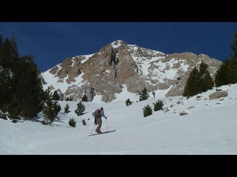 Ascensión y descenso con esquís de la Peña las Diez