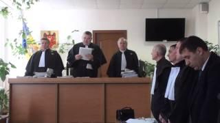 Judecătorii întâi interzic, apoi întrebă de ce filmezi