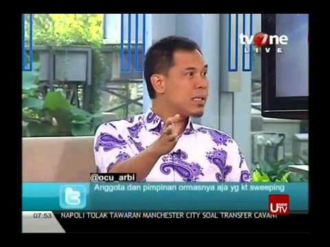 Inilah cuplikan rekaman Penyiraman oleh Munarman kepada Sosiolog UI - Thamrin Amal Tomagola dalam Acara Apa Kabar Indonesia Pagi TVOne.