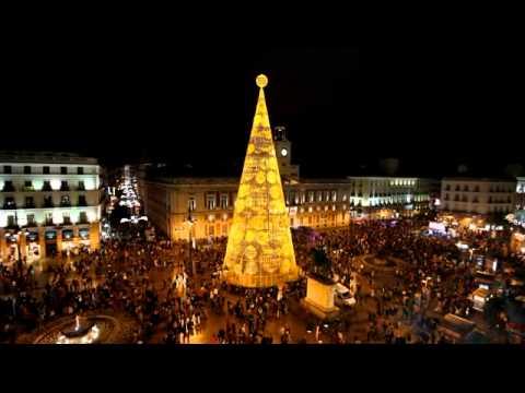 Cây thông đẹp nhất trên thế giới đón Noel 2014