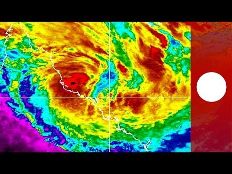 Video: Tropical cyclone Dylan approaches Australia's Queensland