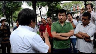 Ông Đoàn Ngọc Hải nói một câu khiến chủ xe sang vi phạm vỉa hè phục sát đất