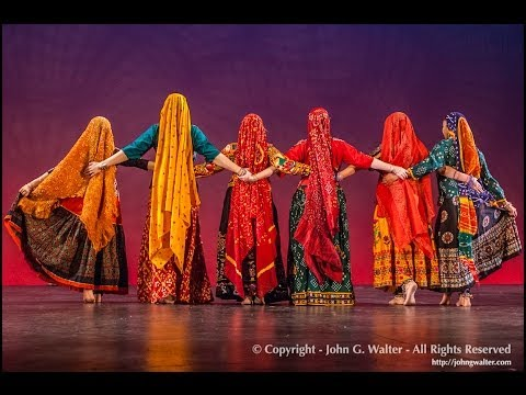 BOLLYWOOD DANCE  to Ringa Ringa Slumdog Millionaire performed by Silk Road Dance Company