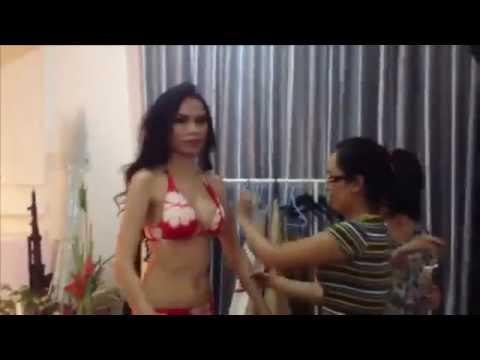 Diễm Hương bốc lửa với bikini