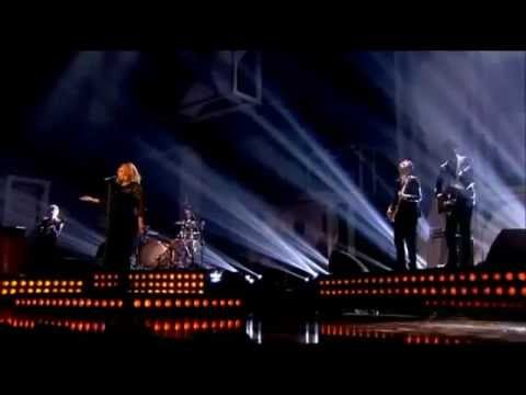 Brit Awards 2012- Adele - Rolling In The Deep (Live HD)