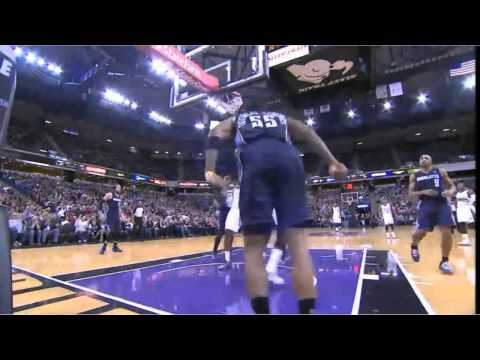 Rudy Gay dunks on Douglas Roberts
