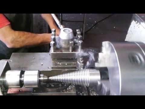 Torno Mecânico/  Caçapa Fazendo rosca cônica para raxador de lenha