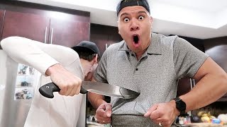 THIS SHIRT CAN'T BE RIPPED! (IMPOSSIBLE CHALLENGE)