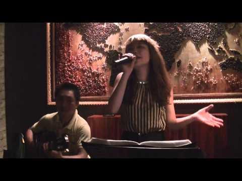 Bao Tran - Vung troi binh yen (Cover) at Sense Coffee