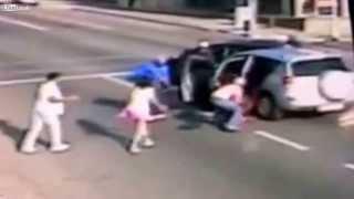 Nyílt utcán rabolják ki