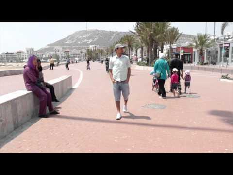 المشي إلى الخلف بآكادير