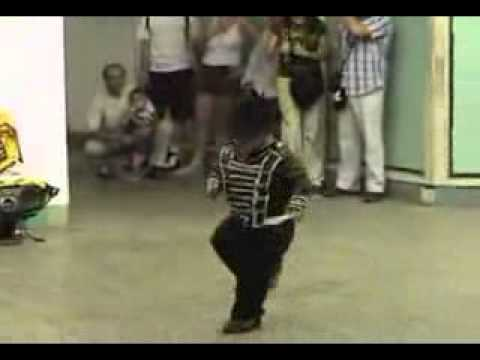 Funny Video Mini Jackson Dance   Funtoosh com