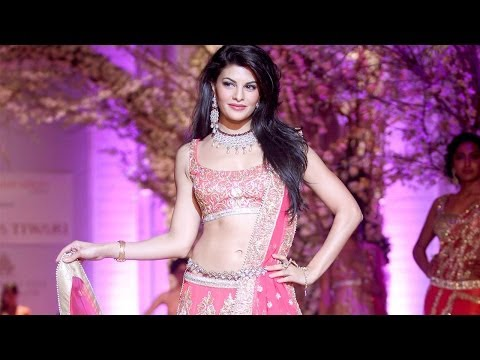 Jacqueline Fernandez at India Bridal fashion Week 2013