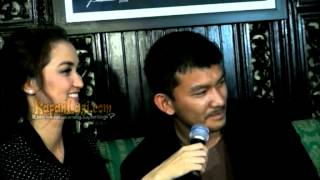 Atiqah Hasiholan-Rio Dewanto Pisah Ranjang