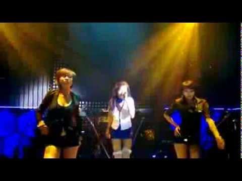Ba Tung Dien O Quay Ba Bà Tưng bất ngờ biểu diễn tại quán Bar Sài Gòn