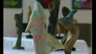 الراقصة والحصان - دلال بزي