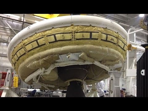 NASA tests 'flying saucer'