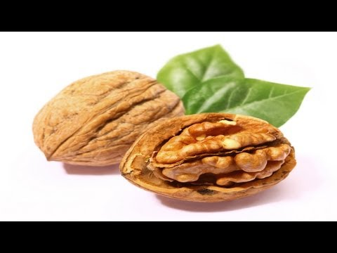 Health Benefits of Munching on Walnuts