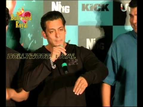 First Look Of Salman Khan's 'KICK' with his Fans 1