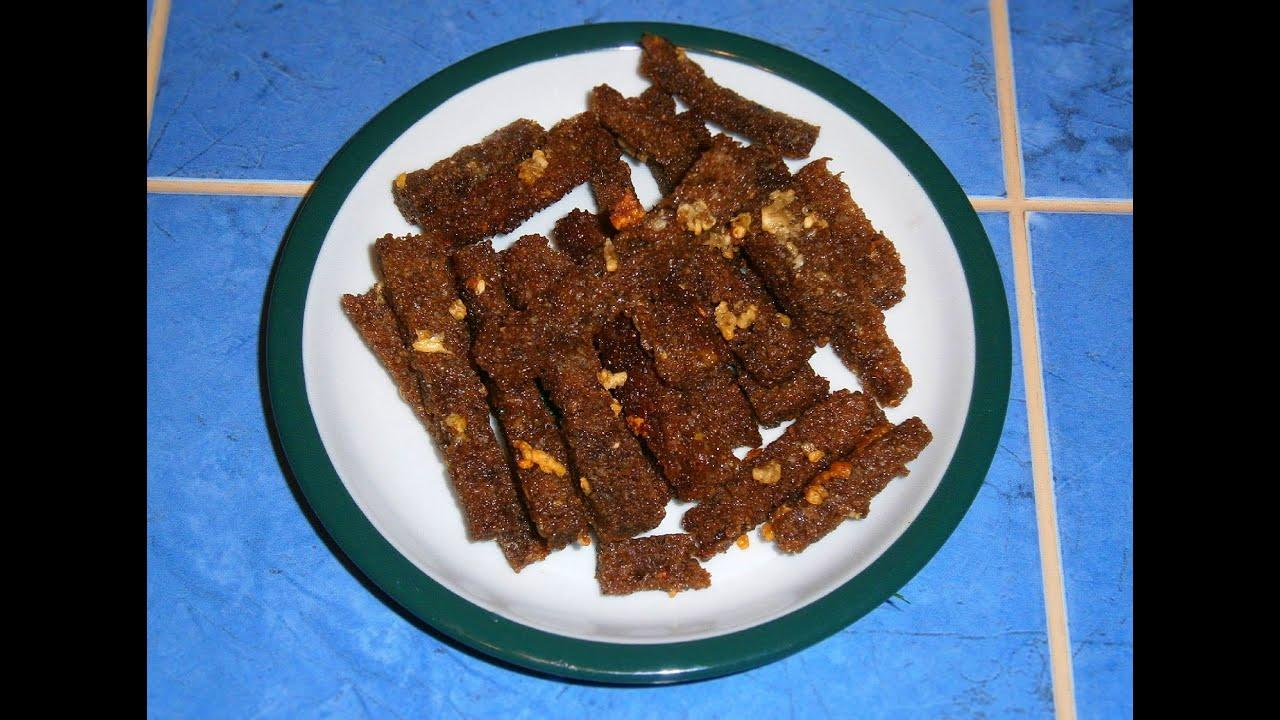 Вкусные сухарики из черного хлеба на сковороде