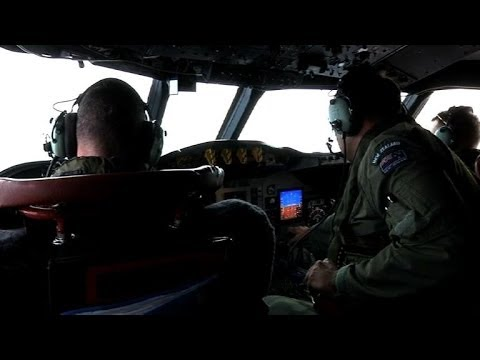 Australian planes search remote seas for Malaysia jet debris