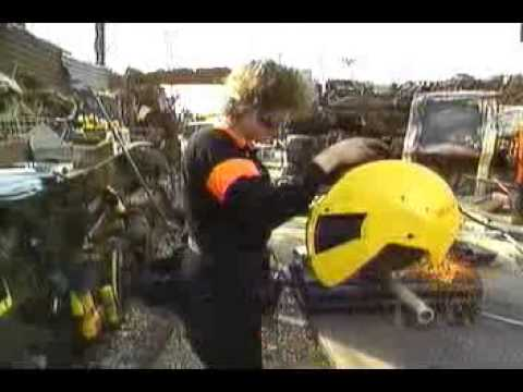 Scrapheap Challenge - Season 1 Episode 2 - Power Pullers