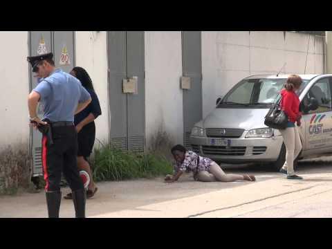Gricignano (CE) - Donna trovata morta nella zona industriale (21.05.13)