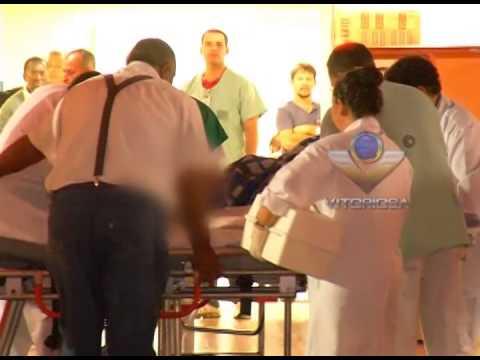 Acidente deixa pessoas feridas no Bairro Martins e jovem é esfaqueado no Bairro Shopping Park