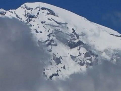 Park: Too Risky to Search for 6 Rainier Climbers