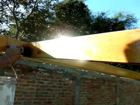 Como pintar metal para que parezca madera