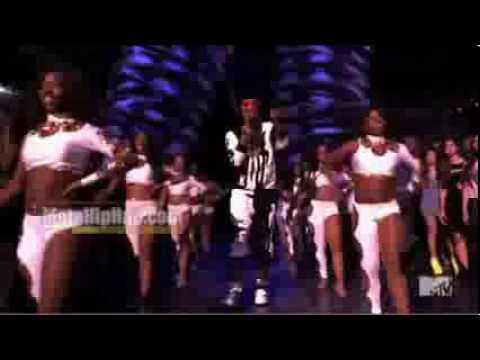 Miley Cyrus 2013 VMA Performance ft Robin Thicke, 2 Chainz, Kendrick Lamar, http://www.MotaHipHop.com Miley Cyrus VMA Performance 2013