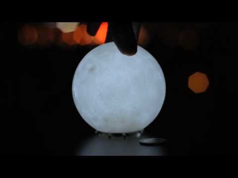 Moon lamp turn-around