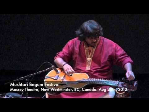 Salil Bhatt performs at Cassius Khan's 2012 Mustari Begum Festival