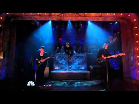 The xx - Chained (Live on Late Night With Jimmy Fallon, 10/26/12)