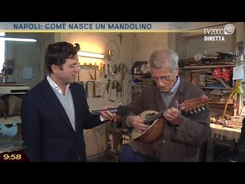 Napoli: come nasce un mandolino