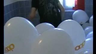 Knallen lassen luftballons richtig knallen