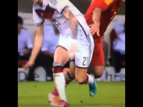 (xemthethao.vn) Tình huống khiến Reus chấn thương và nhiều khả năng sẽ vắng mặt tại World Cup