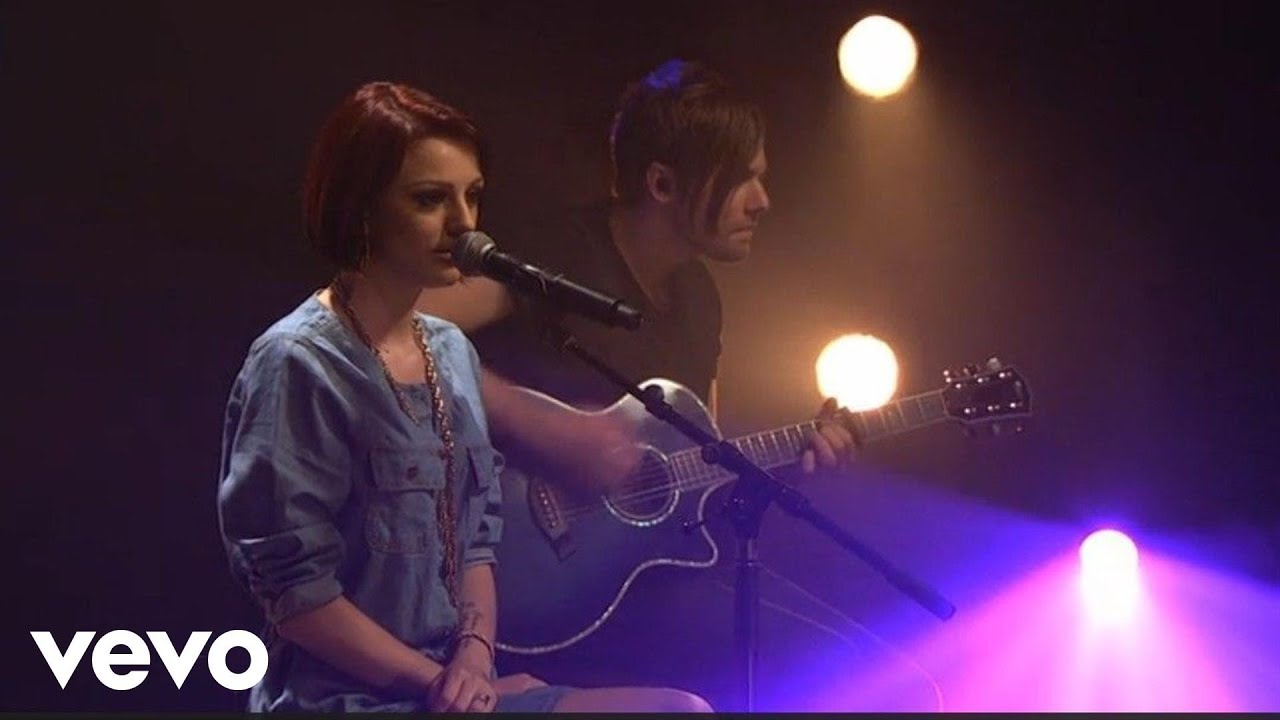 Cher Lloyd - Beautiful People (AOL Sessions)