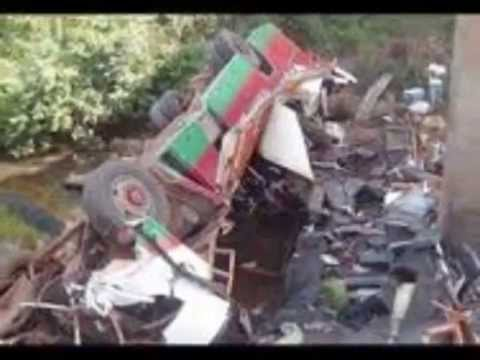 48 die in Togo bus crash, 15 injured | BREAKING NEWS - 16 APRIL 2014
