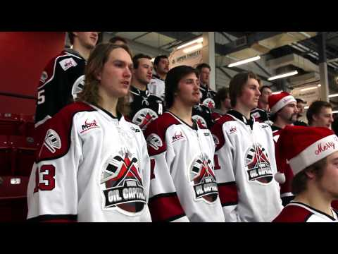 Video: Manitoba junior hockey team catches Christmas spirit