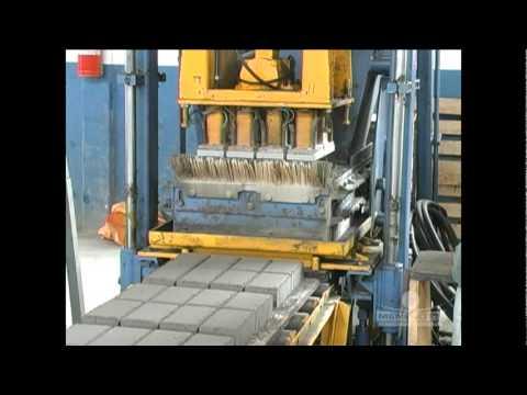 MBP 3,5 - Máquina de Blocos e Pavimentos - Menegotti Máquinas e Equipamentos