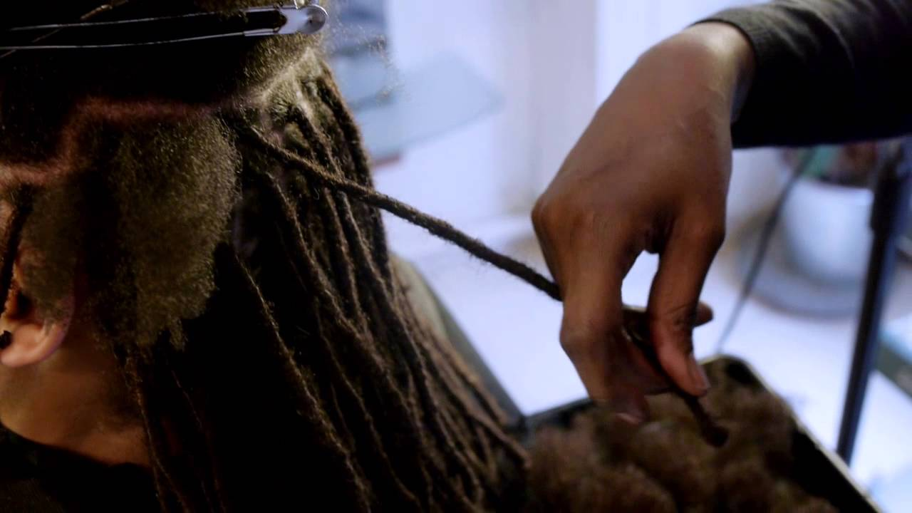 Pose de locks homme coiffure locks homme locks twists tresses salon youtube - Salon de coiffure dreadlocks paris ...