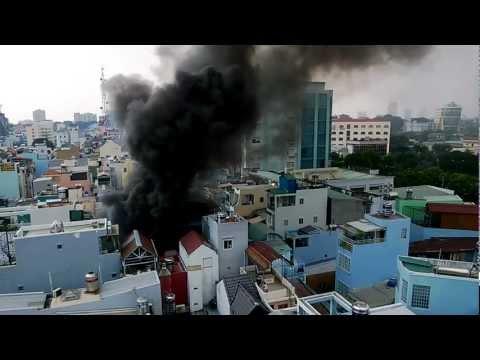 Cháy nhà ở đường Nguyễn Cư Trinh, Quận 1, Hồ Chí Minh