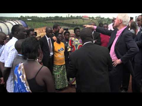President Clinton Visits the Mount Meru Soyco Construction Site