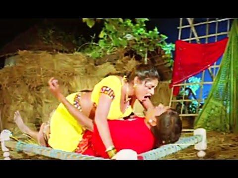 Khatiya Kharahane Chikan [ Hot & Sexy Bhojpuri Video ] Maiya Rakhiha Senurwa Aabad