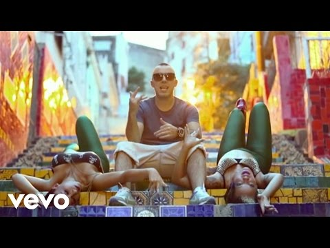 Lucenzo ft. Sean Paul - Wine It Up